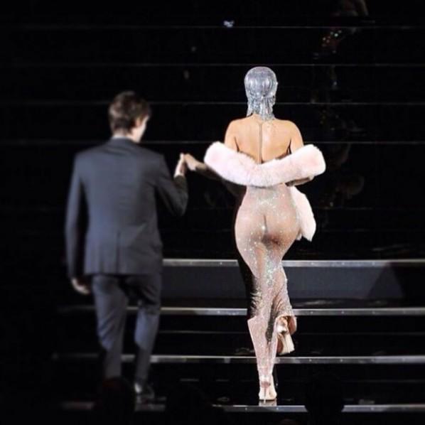 Rihannafesses-610x610.jpg