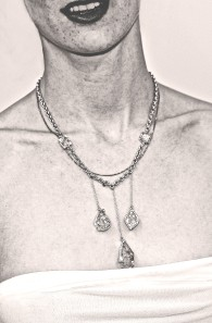 collier glace.jpg